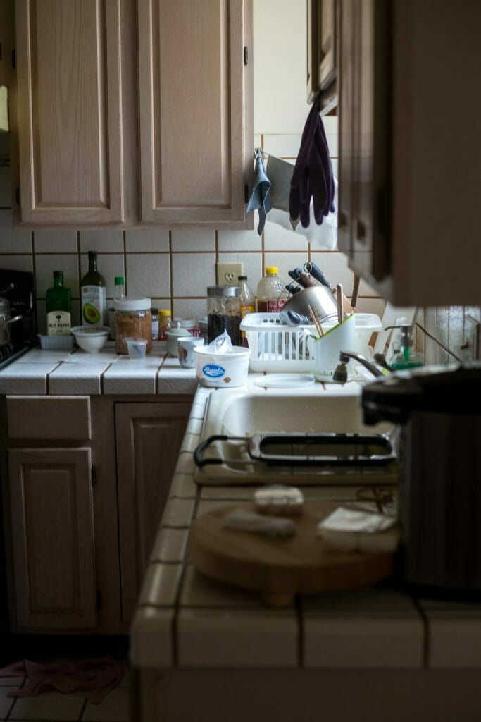 kitchen-overwhelmed-with-mess