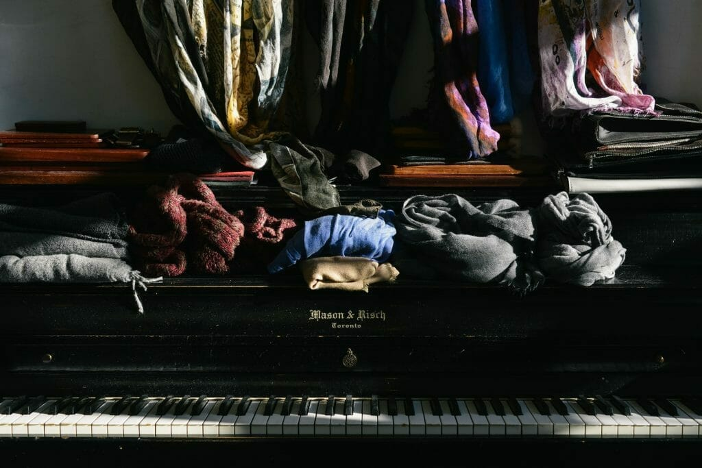 piano-overwhelmed-with-clutter