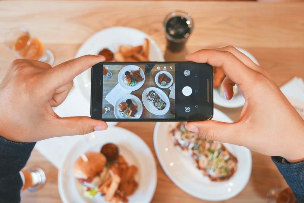 taking-pictures-of-food-with-instagram