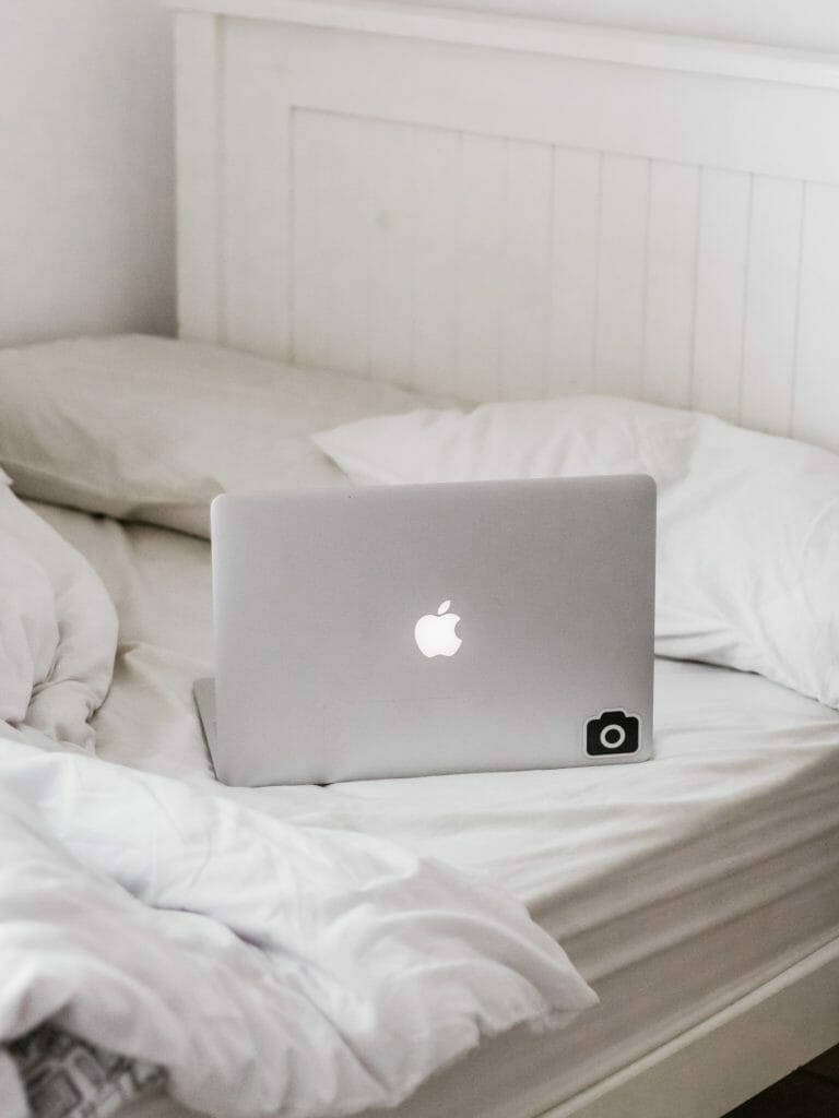 working-from-bed