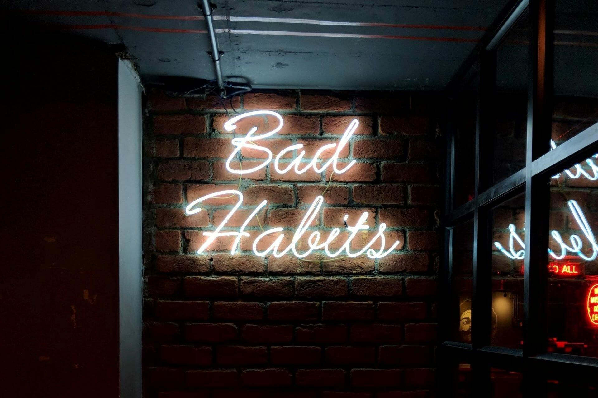 Ultimate List of Bad Habits: 8 Things to Avoid via @allamericanatlas