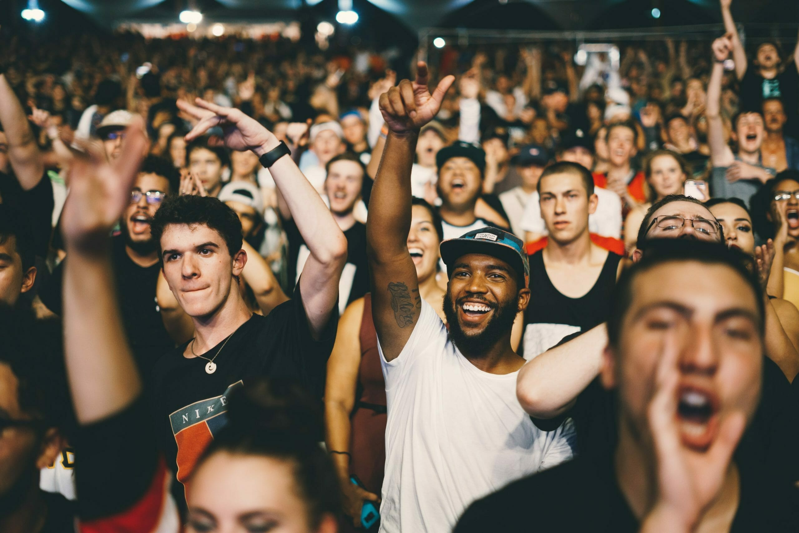 How to Encourage People: 7 Life-Changing Tips via @allamericanatlas
