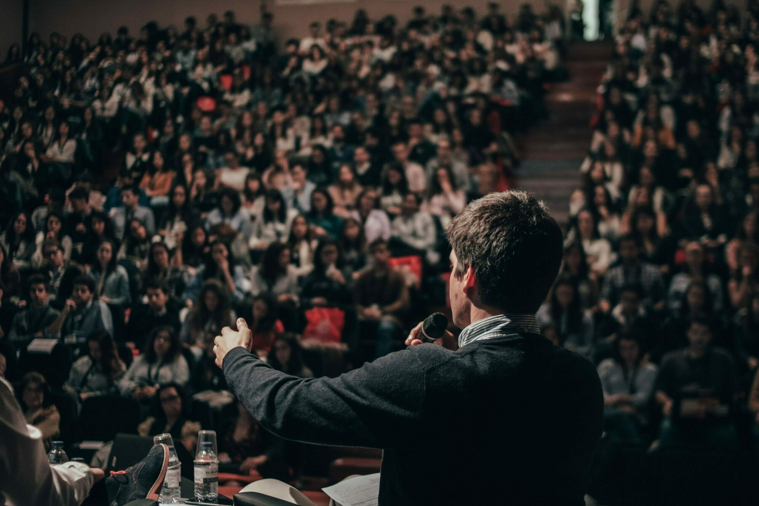 How to Build an Audience That (Actually) Cares: 7 Honest Tips via @allamericanatlas