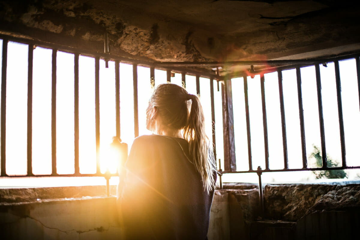 How to Stop Living in the Past: 7+ Tips for Looking Forward via @allamericanatlas